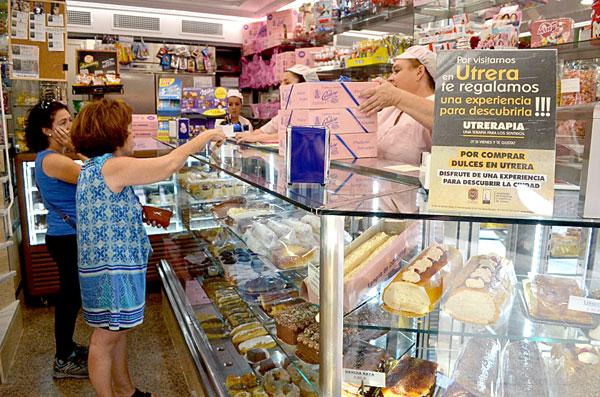 La Confitería Cordero es uno de los establecimientos adheridos a esta campaña que fomenta el turismo local. / Foto: S. Criado