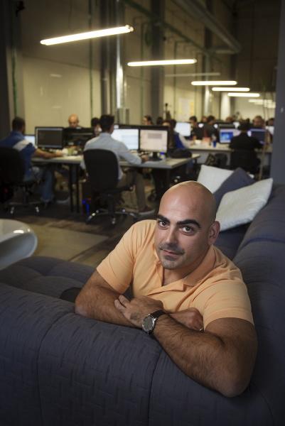 Samuel Brocal, en las oficinas del Polígno PISA. / Pepo Herrera