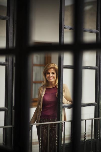 Esperanza Oña en los pasillos del Parlamento. / Pepo Herrera