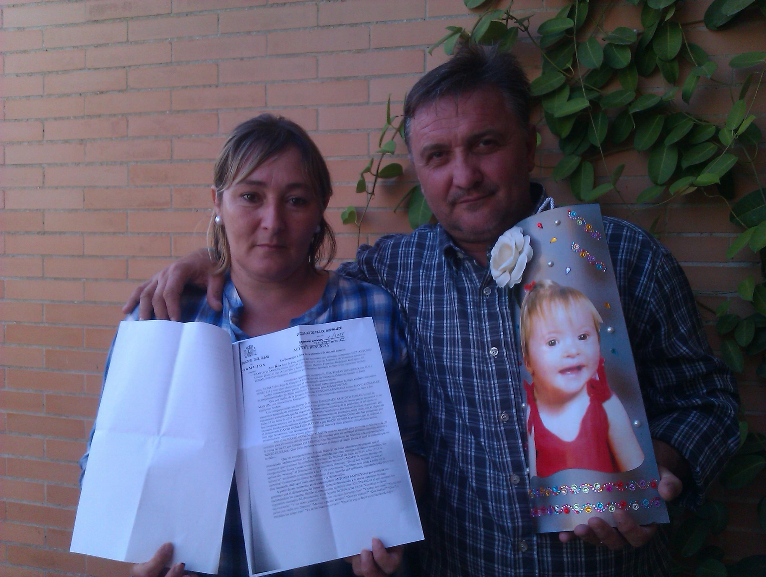 uana Tomás y Antonio Santoyo con la denuncia interpuesta contra el presentador de la gala.