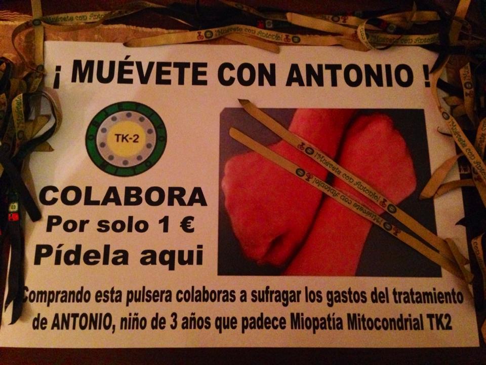 Cartel de la iniciativa de las pulseras que pretenden sufragar el tratamiento.