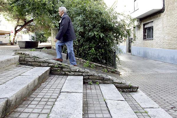 «Intransitable» rampa de la plaza de la Caña.