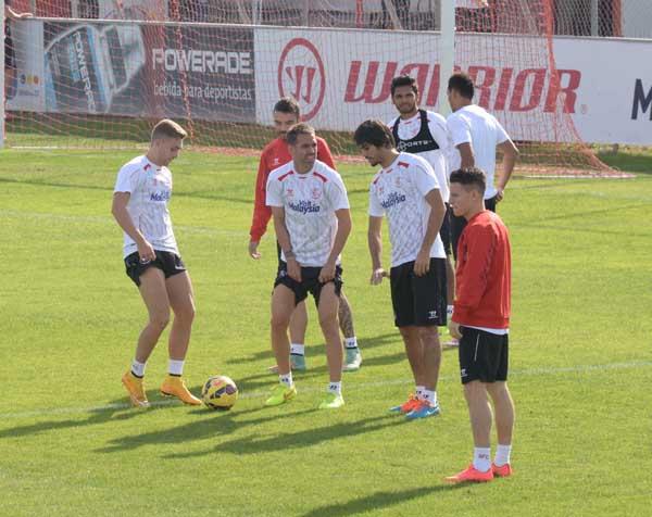Entrenamiento del Sevilla en la Ciudad Deportiva. Foto: Inma Flores