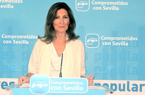 Alicia Martínez, haciendo la valoración de los presupuestos 2015 para Sevilla. / El Correo