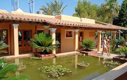 Instalaciones del ClubPunta Arabí, de Ibiza en el que ha sido encontrado el cadáver del joven sevillano.