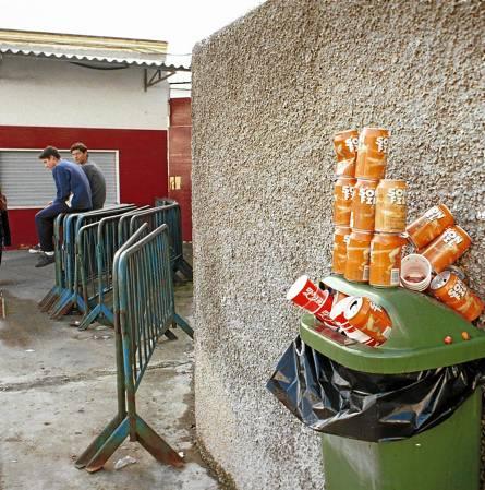 Los institutos de Educación Superior comenzarán a pagar la tasa de recogida de basuras por decisión municipal. / M. Mesa
