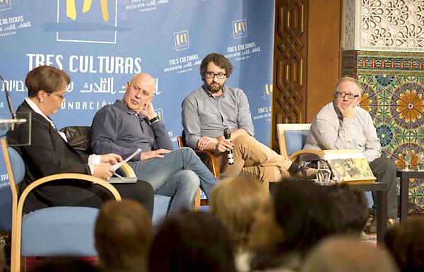 Un momento de la mesa redonda celebrada ayer en la Fundación Tres Culturas. / J. M. Paisano
