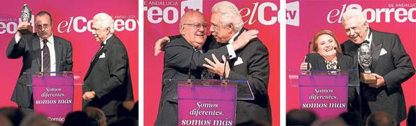 Pascual González alza el premio (izda.). / Nicolás Salas abraza a Antonio Morera (c) / Paqui Godoy recibe el premio Marcelo Spinola. (dcha.) / Pepo Herrera