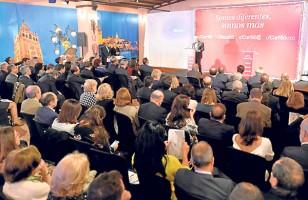 Antonio Morera Vallejo se dirige a los invitados durante la celebración del aniversario de la adquisición de El Correo de Andalucía. / J. M. Paisano