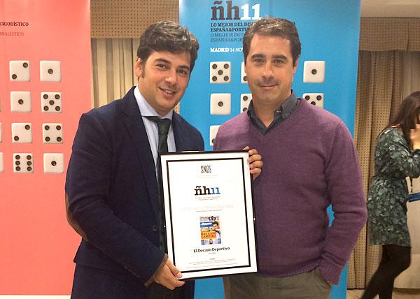 Antonio Viola (i) junto a Rafael Avilés (d), creador del diseño premiado. / El Correo