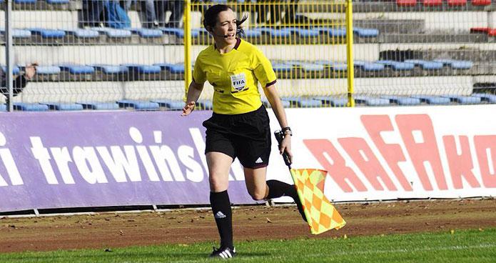 Judit Romano, en plena acción en la banda / Sportyou
