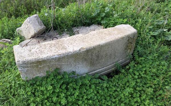 Uno de los pozos inexplorados encontrados por el padre de Marta del Castillo en la escombrera de Camas.