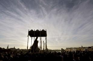 La Virgen del Rosario de Monte-Sión visita a la dolorosa de la Estrella. / Foto: José Luis Montero