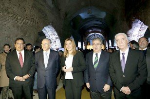 Antonio Pulido, Isidre Fainé, Susana Díaz, Juan Ignacio Zoido y Luciano Alonso. / J. L. Montero
