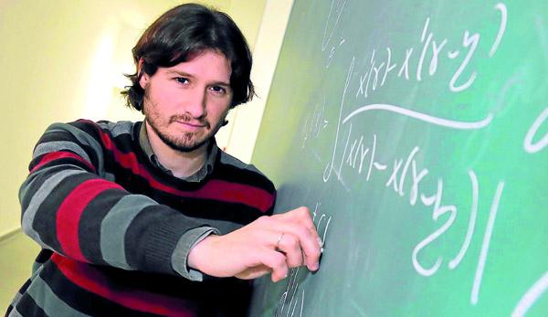 El matemático sevillano Francisco Gancedo. / José Luis Montero