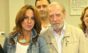 Belén Gayango junto al presidente de la Diputación, Fernando Rodríguez Villalobos.