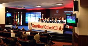 Junta General de Accionistas del Sevilla. Foto: Javier Santos.