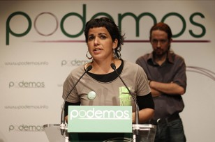 La eurodiputada gaditana Teresa Rodríguez y el líder de Podemos, Pablo Iglesias. / EFE