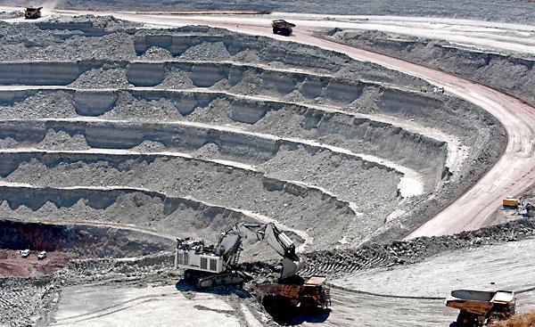 Explotación de la mina de Cobre Las Cruces, en Gerena, Guillena y Salteras,  en una imagen de archivo. / José Manuel Vidal (EFE)