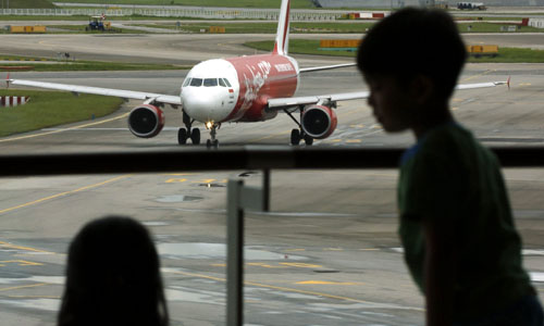 CHINA OFRECE A INDONESIA SUS BARCOS Y AVIONES PARA BUSCAR AIRBUS DESAPARECIDO