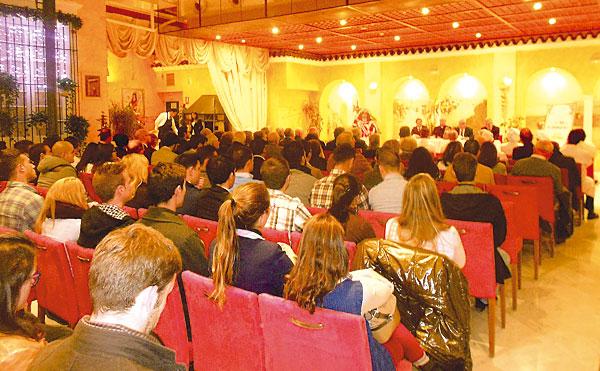 Numeroso público se dio cita en el Alabardero.