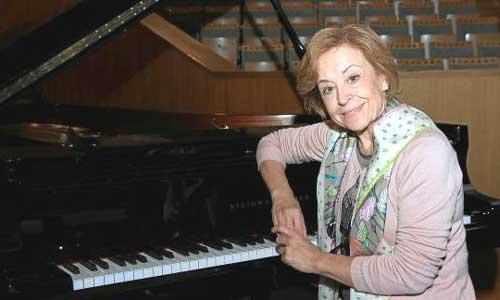 La pianista Ana Guijarro participa hoy en el concierto extraordinario por el XXV aniversario de la Fundación Sevillana Endesa. Foto: Génesis Lence