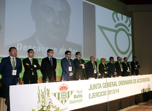 Junta General de Accionistas del Betis. Foto: Manuel Gómez.