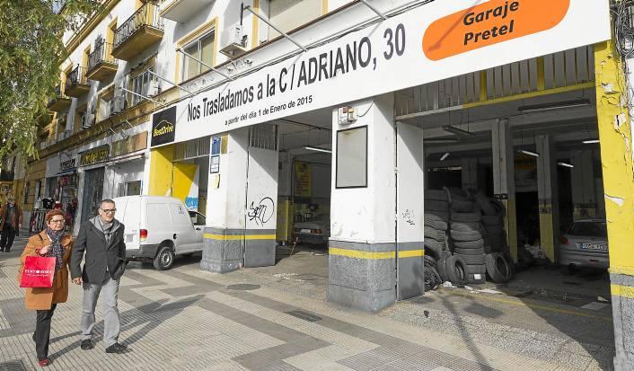 Sevilla 27 12 2014: Garaje pretel se traslada.FOTO:J.M.Paisano