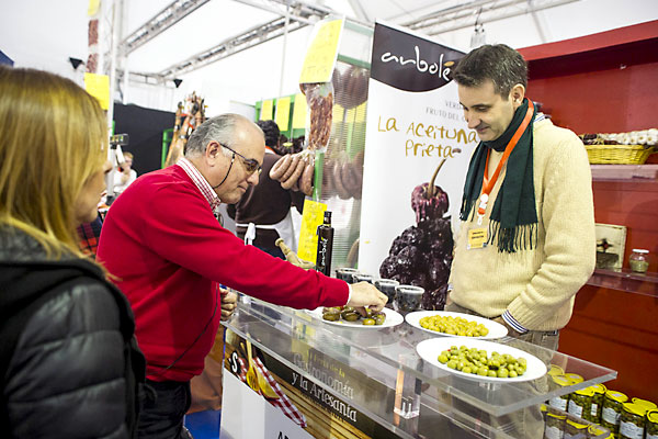 Inauguracion de la Feria de la Gastronomia y la Artesania de la Provincia en el Patio de la Diputacion. / Foto: Carlos Hernandez