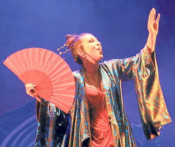 El Lope de Vega adquirió aires de cabaret en el debut del feSt. / Génesis Lence
