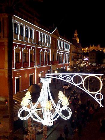 Comienza la iluminación navideña. / Foto: Fernando Ruso - Ayuntamiento de Sevilla