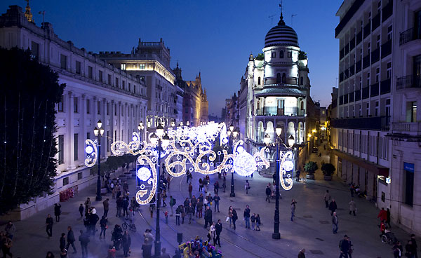 Luz verde a la iluminación navideña sevillana. / Pepo Herrera