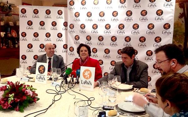 Carmen Castreño, ayer, en un almuerzo con periodistas organizado por el grupo de restauración La Raza. / El Correo