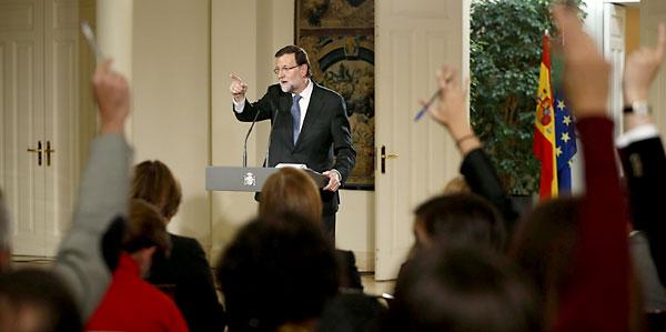 El presidente del Gobierno, Mariano Rajoy, durante la rueda de prensa que ha ofrecido hoy en el Palacio de la Moncloa. / EFE