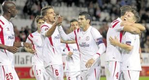 Los jugadores del Sevilla celebran un gol en uno de los partidos de la presente temporada. / Manuel Gómez
