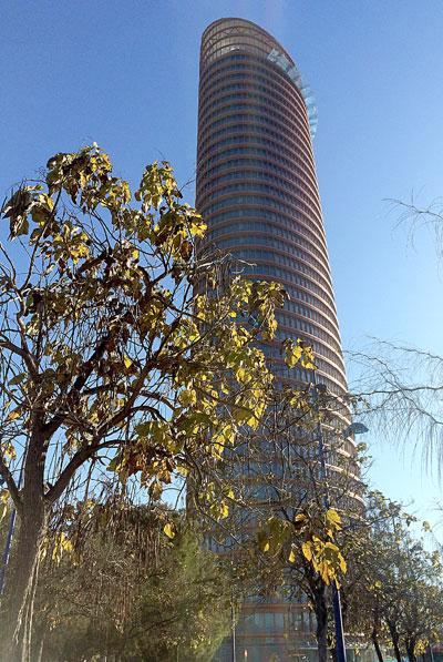 Imagen de la Torre Pelli, hoy viernes. / Morales