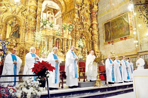 Momento de la misa que cerró el segundo jubileo en honor a la patrona de Utrera. / S. Criado