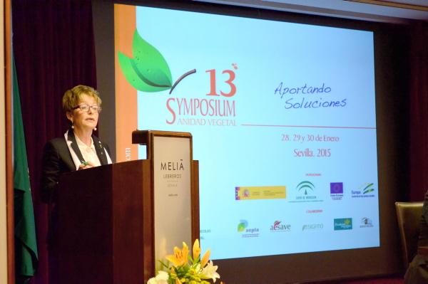 La consejera Elena Víboras, durante la inauguración del evento en el hotel Los Lebreros de Sevilla. / JESÚS BARRERA