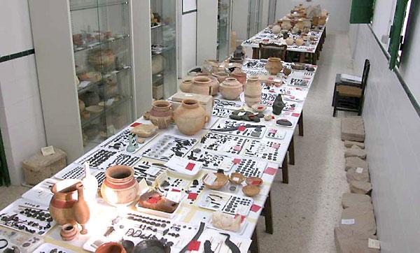varios conjuntos que forman parte del Fondo Arqueológico Ricardo Marsal Monzón (FARMM). / EFE