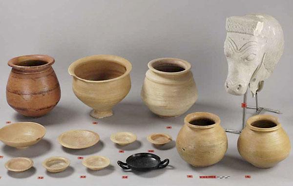 Otras piezas de la colección. / EFE