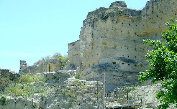 Zona de la muralla almohade de Marchena al que se le reconoce su derecho al 1% cultural. / El Correo