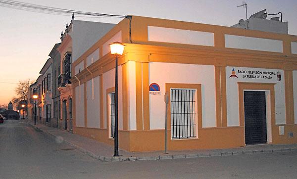 Esquina de La Puebla de Cazalla en la que se produjo el apuñalamiento. / El Correo