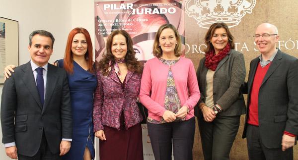 La presentación del concierto benéfico de la soprano Pilar Jurado en el Teatro de la Maestranza.