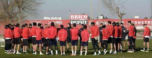 Entrenamiento del Sevilla FC en la ciudad deportiva. Foto: Manuel Gómez.