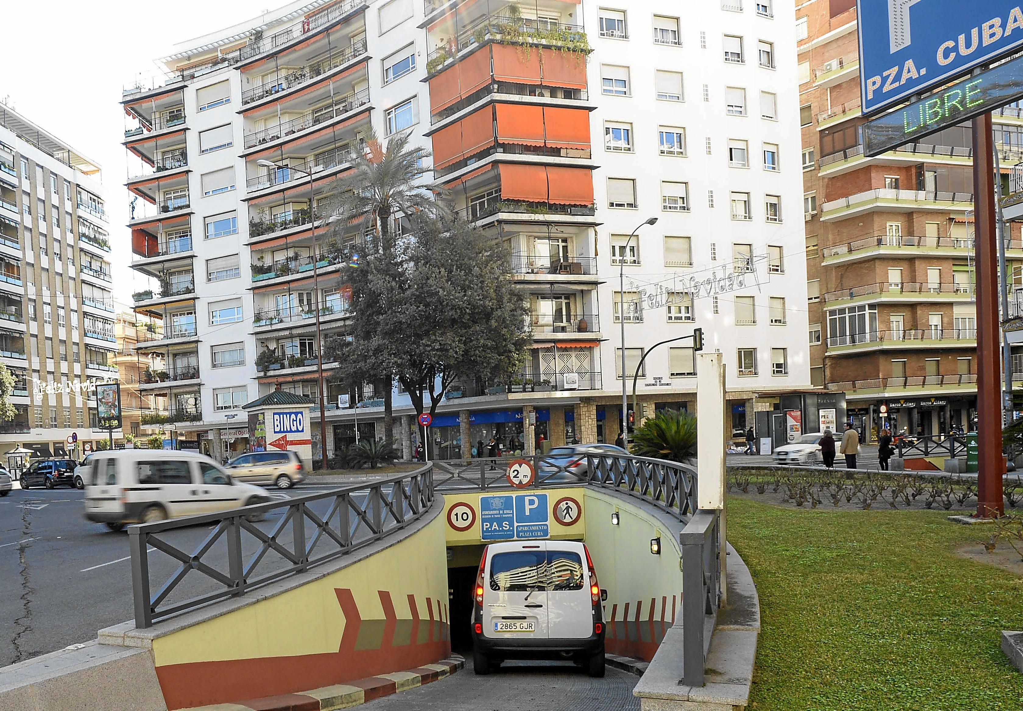 Aparcamiento subterráneo gestionado por la empresa Martín Casillas en la Plaza de Cuba de Sevilla.