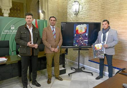 Francisco Javier Fernández, JuanCarlos Navarro y Juan Antonio Hidalgo presentaron ayer el Festival. / El Correo