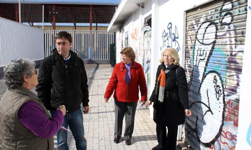 Visita del grupo municipal de IU al barrio del Tiro de Línea.