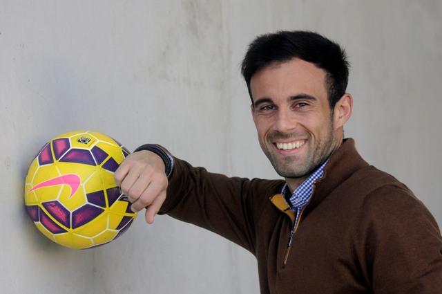 Francisco José Molinero posa en la ciudad deportiva tras el entrenamiento del miércoles / Foto: Manuel Gómez