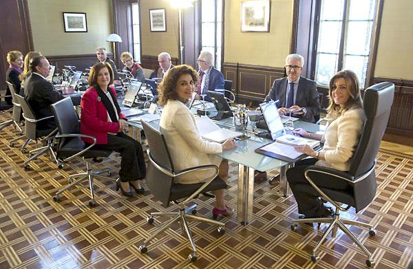 Primer Consejo de Gobierno sin IU. / EFE
