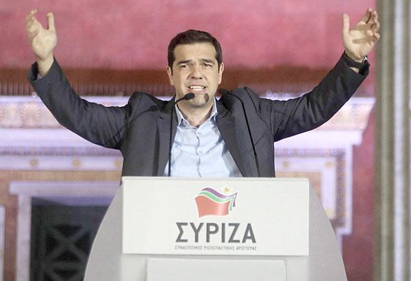 Alexis Tsipras celebrando el triunfo de Syriza. / EFE